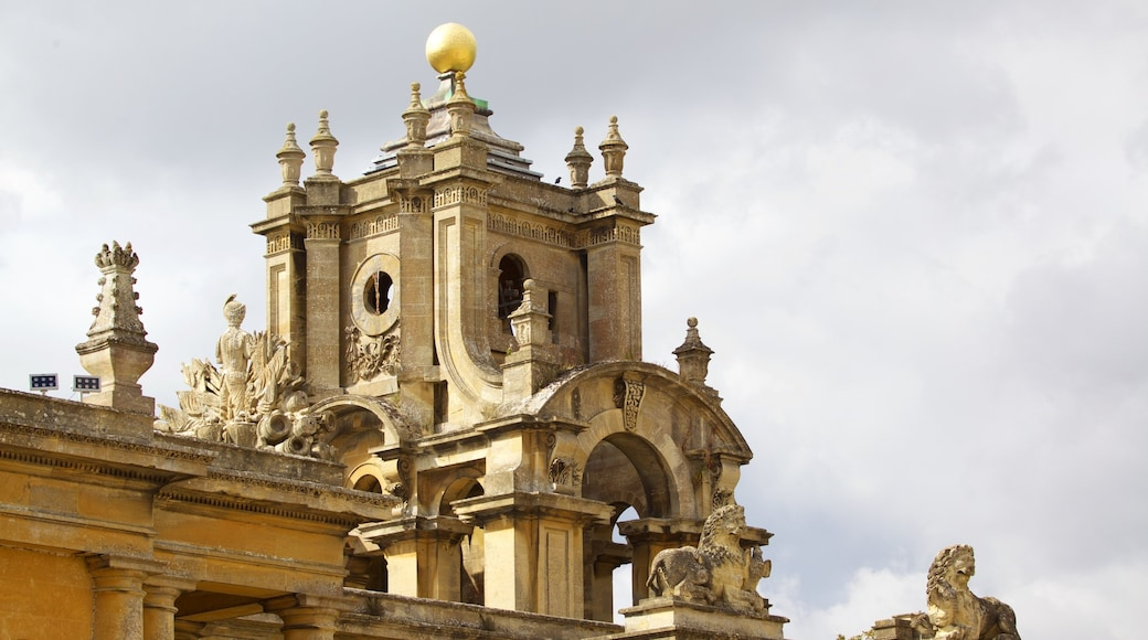 Blenheim Palace featuring heritage elements and heritage architecture