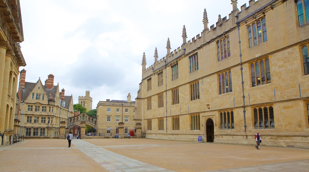 Bodleian Library which includes heritage architecture, heritage elements and a square or plaza