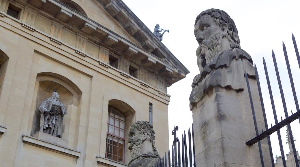 Bodleian Library caratteristiche di oggetti d\'epoca e statua o scultura