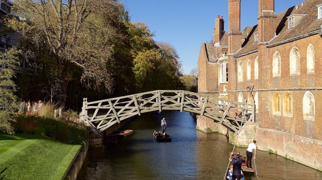 สะพาน Mathematical เนื้อเรื่องที่ พายเรือคายัคหรือเรือแคนู, แม่น้ำหรือลำธาร และ สะพาน