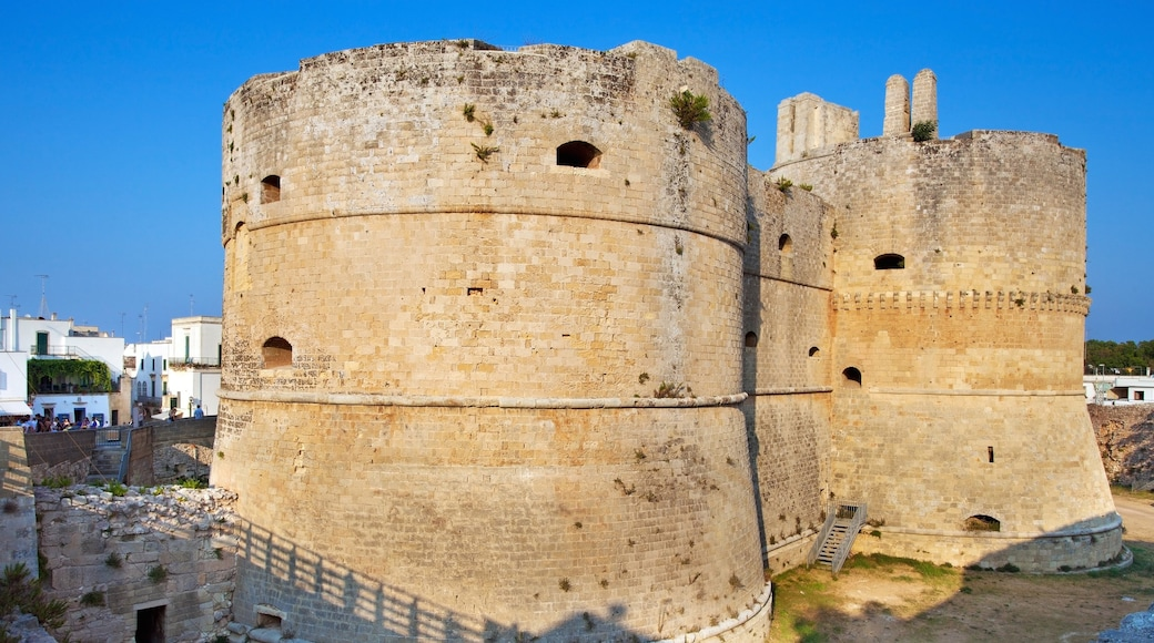 Otranto which includes heritage elements
