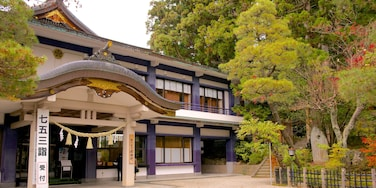Takayama Yatai Kaikan featuring a temple or place of worship