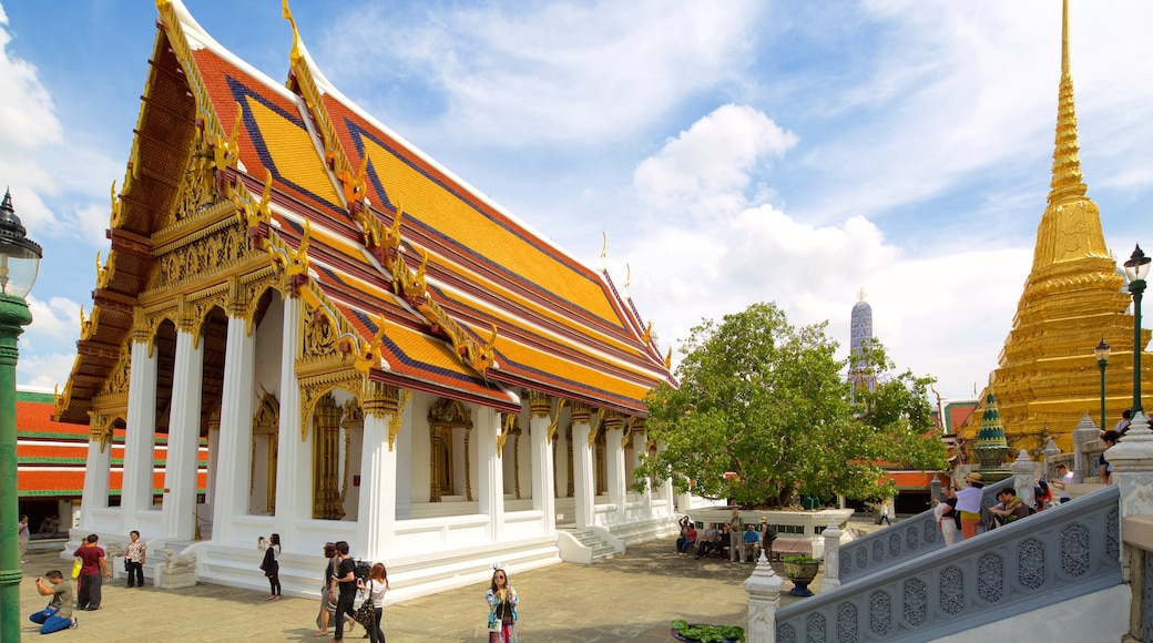 Temple of the Emerald Buddha featuring a temple or place of worship