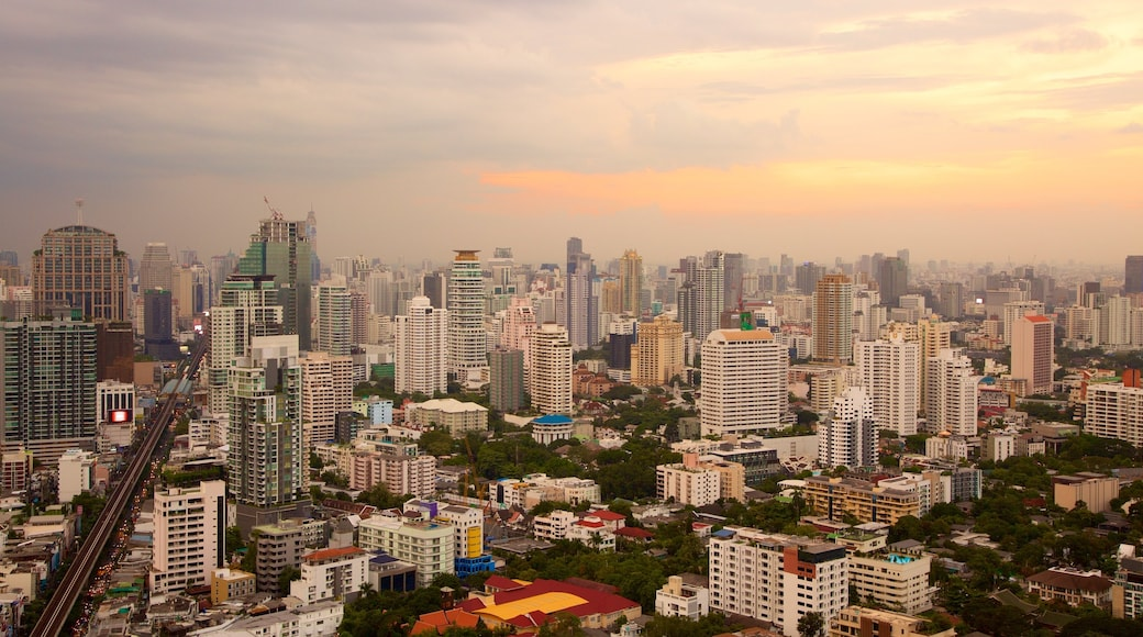Sukhumvit showing a sunset and a city