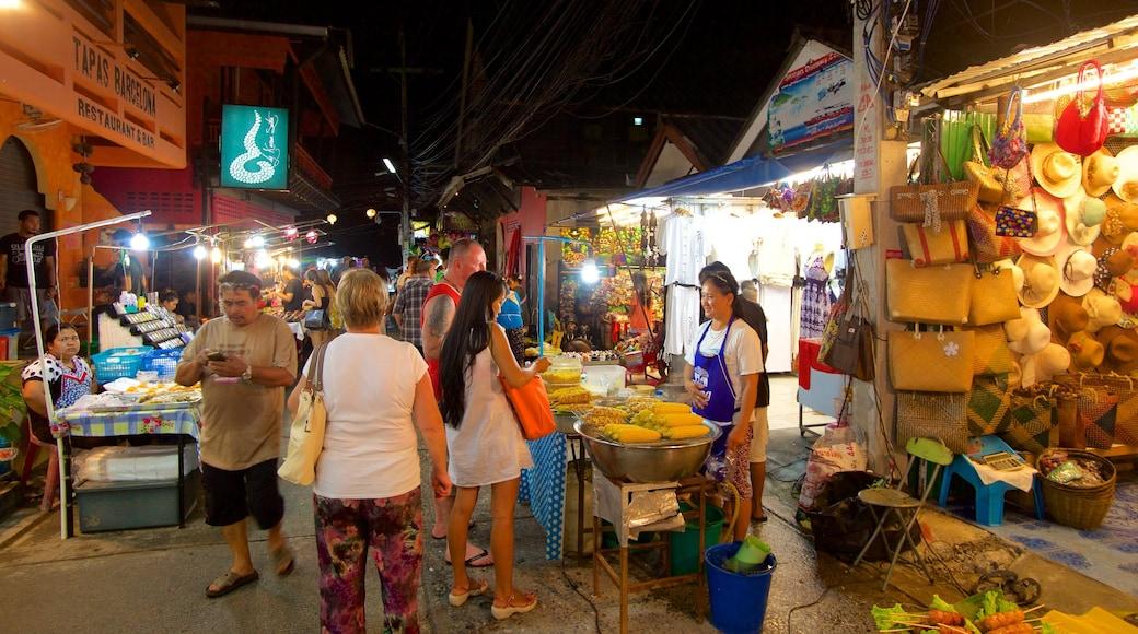Vissersdorp bevat nachtleven en markten en ook een grote groep mensen