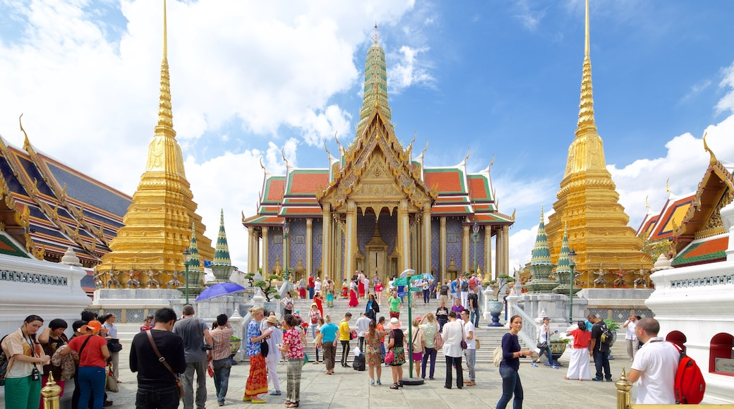 Temple of the Emerald Buddha featuring a temple or place of worship as well as a large group of people