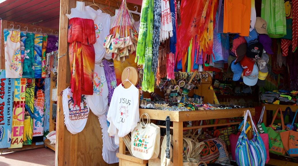 Port Lucaya Marketplace caracterizando compras e mercados