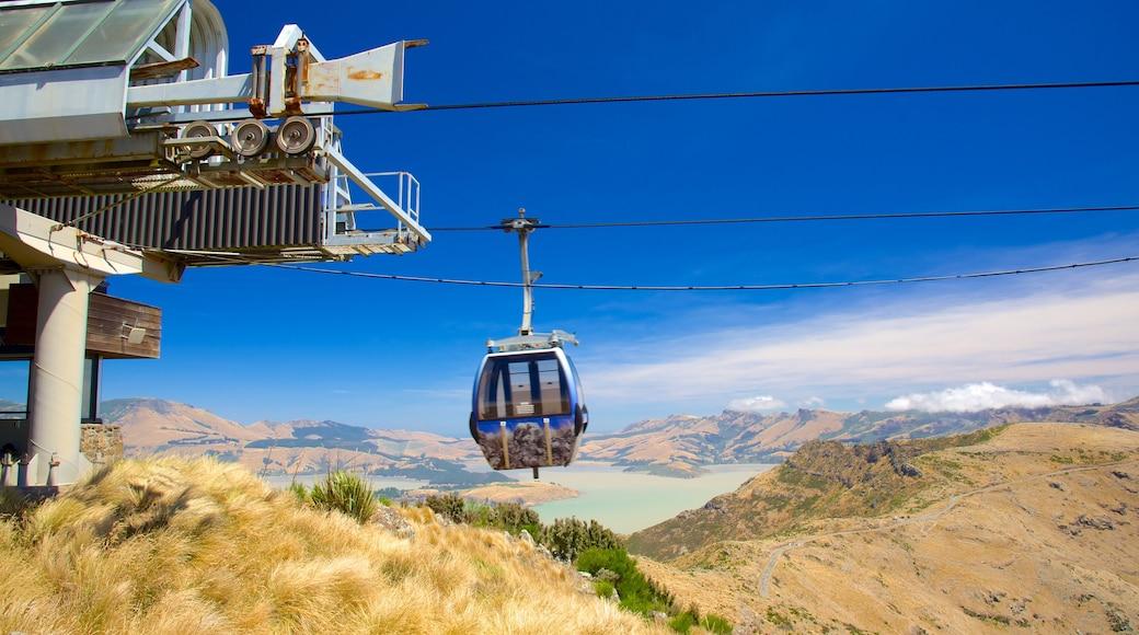 Christchurch Gondola showing mountains and a gondola