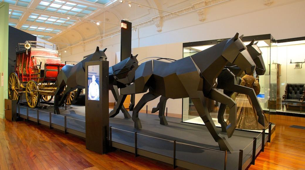 Otago Settlers Museum featuring interior views