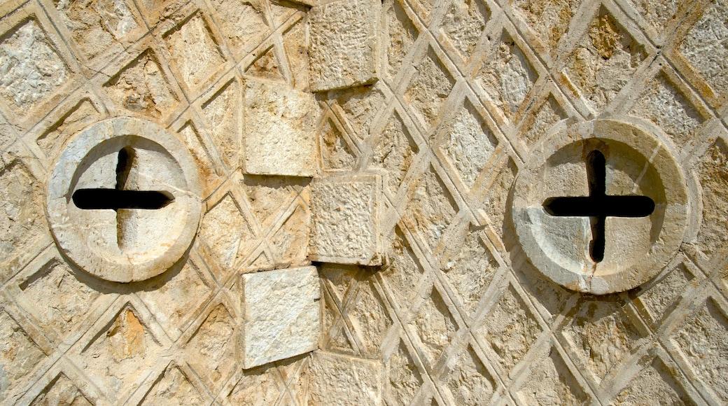 Noumea Cathedral welches beinhaltet historische Architektur