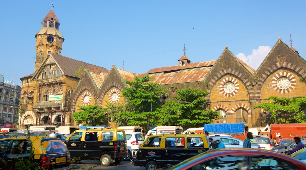 Mumbai showing street scenes and heritage elements