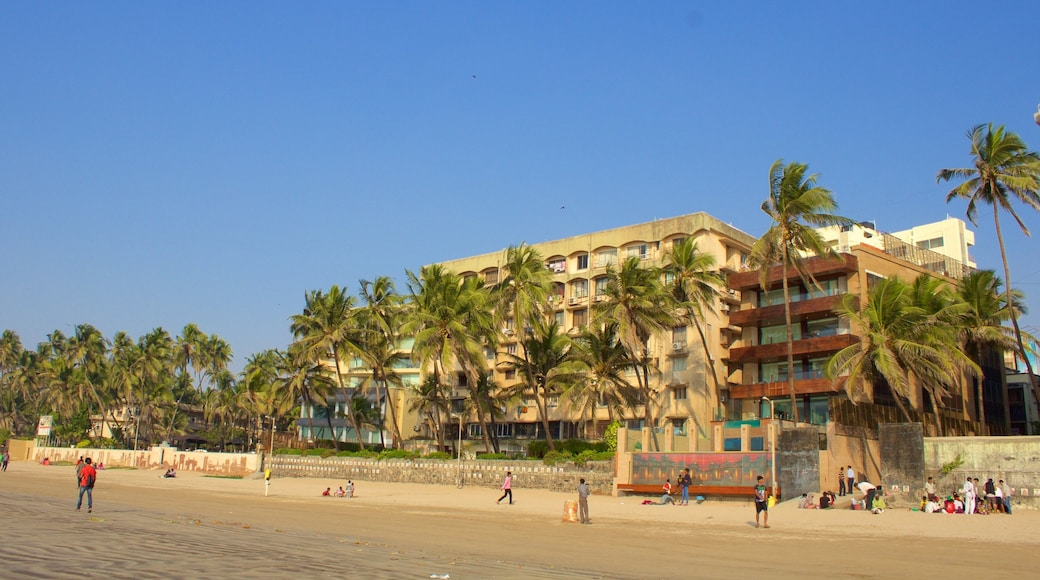 Juhu Beach showing general coastal views