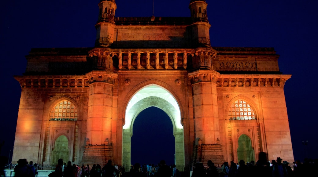 Gateway of India which includes night scenes