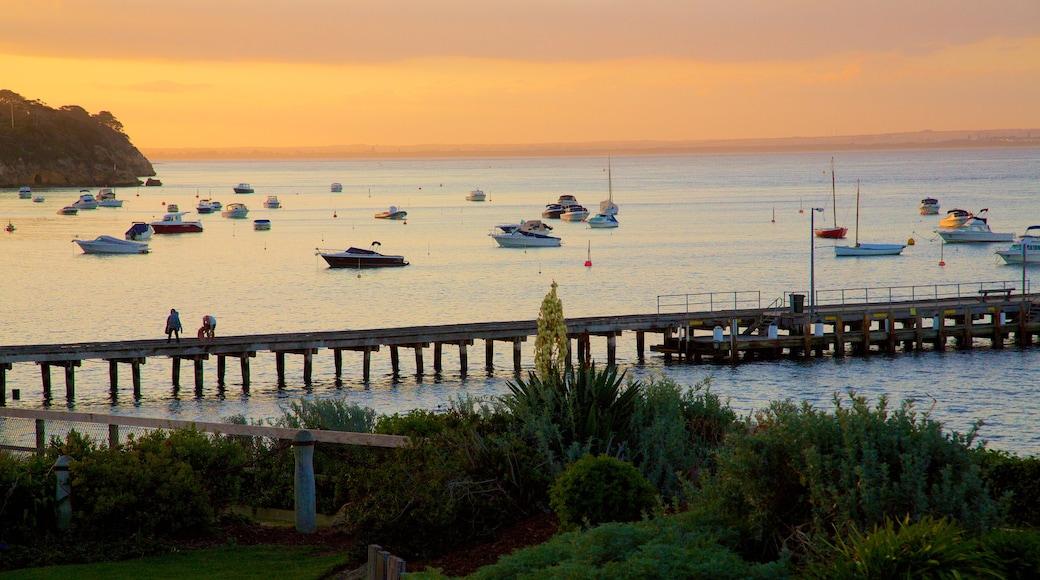 Portsea showing boating, sailing and general coastal views