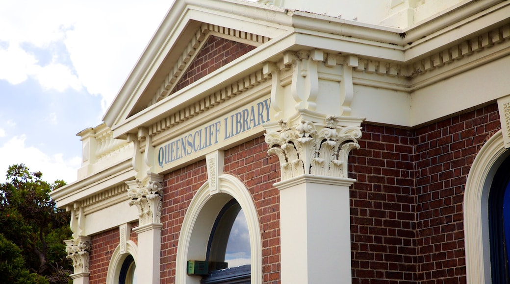 Queenscliff featuring signage and heritage elements