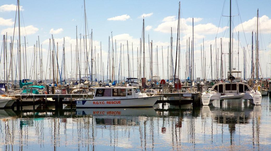 Geelong featuring boating, a marina and sailing