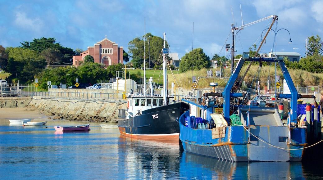 Port d\'Apollo Bay mettant en vedette navigation et marina