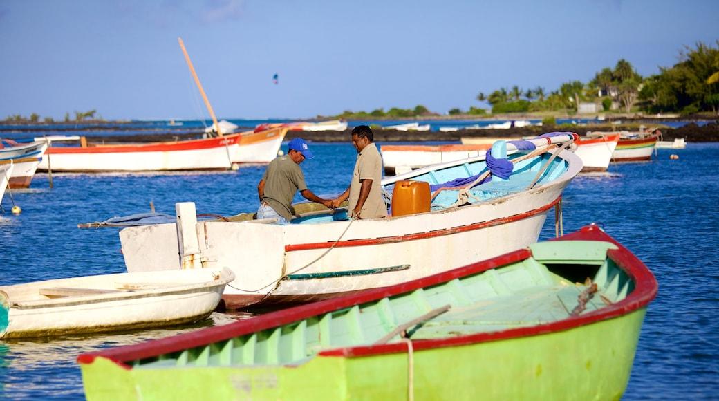 Cap Malheureux welches beinhaltet Bucht oder Hafen und Bootfahren