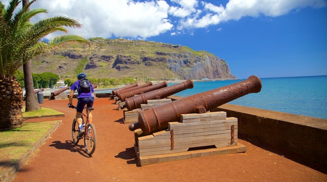La Réunion montrant vues littorales, patrimoine historique et vélo