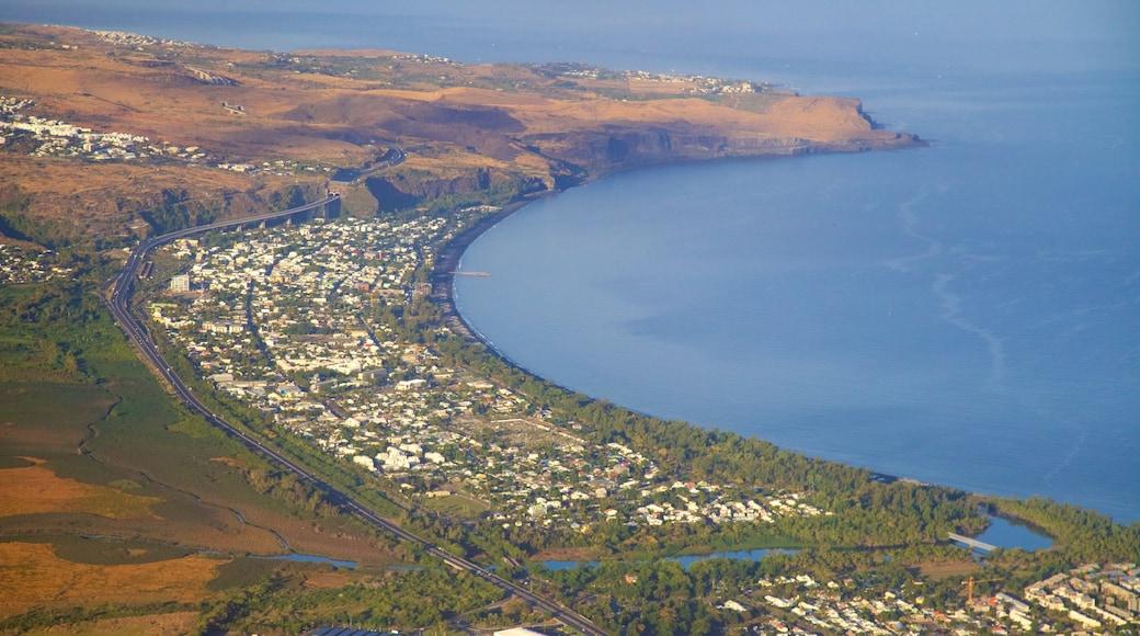 Saint-Paul which includes general coastal views