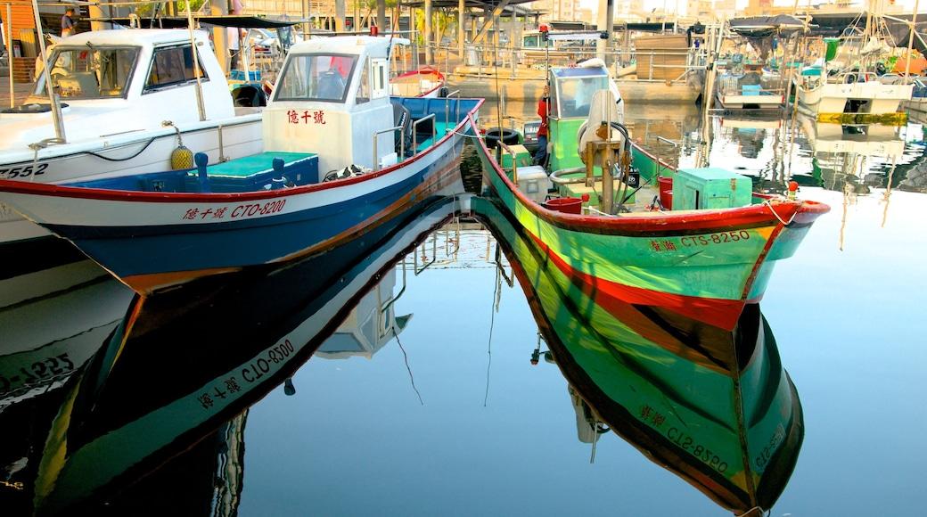 Anping Harbor showing a marina