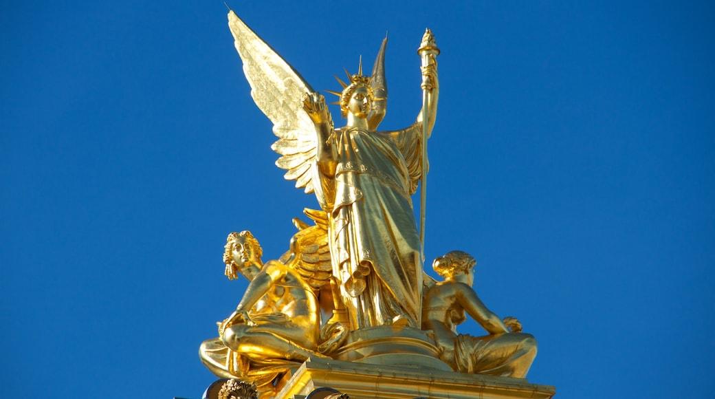 Paris qui includes patrimoine historique et statue ou sculpture