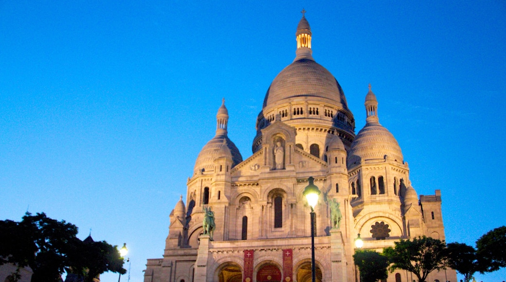 蒙馬特 呈现出 歷史建築 和 傳統元素
