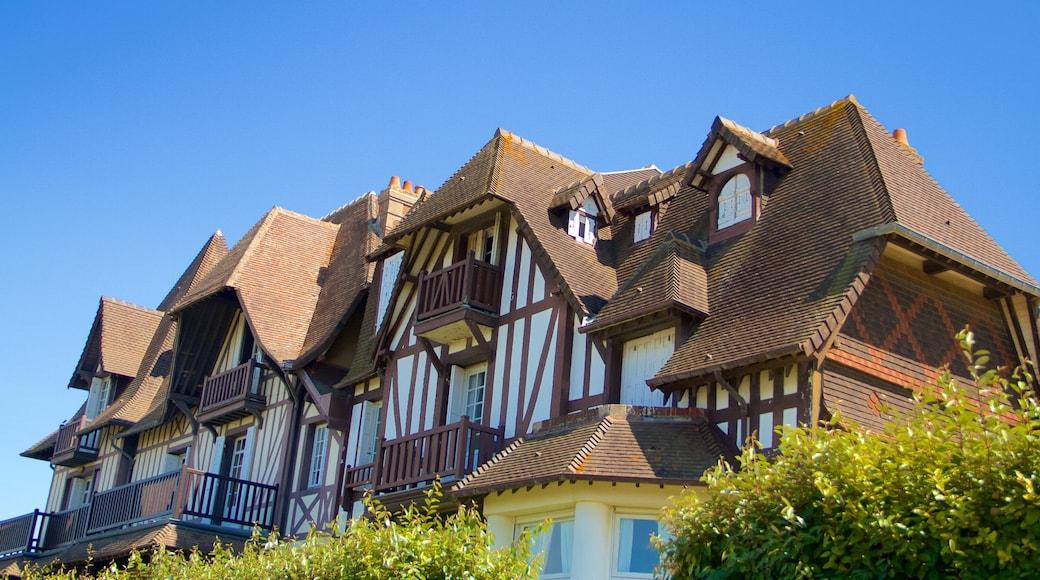 Deauville montrant maison