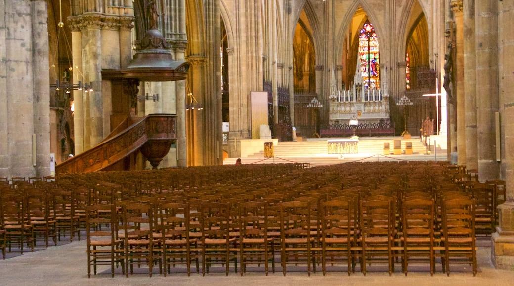 Metzin katedraali featuring perintökohteet, sisäkuvat ja vanha arkkitehtuuri