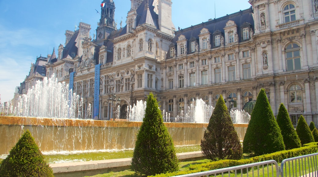 Hotel de Ville which includes a fountain, a garden and heritage elements
