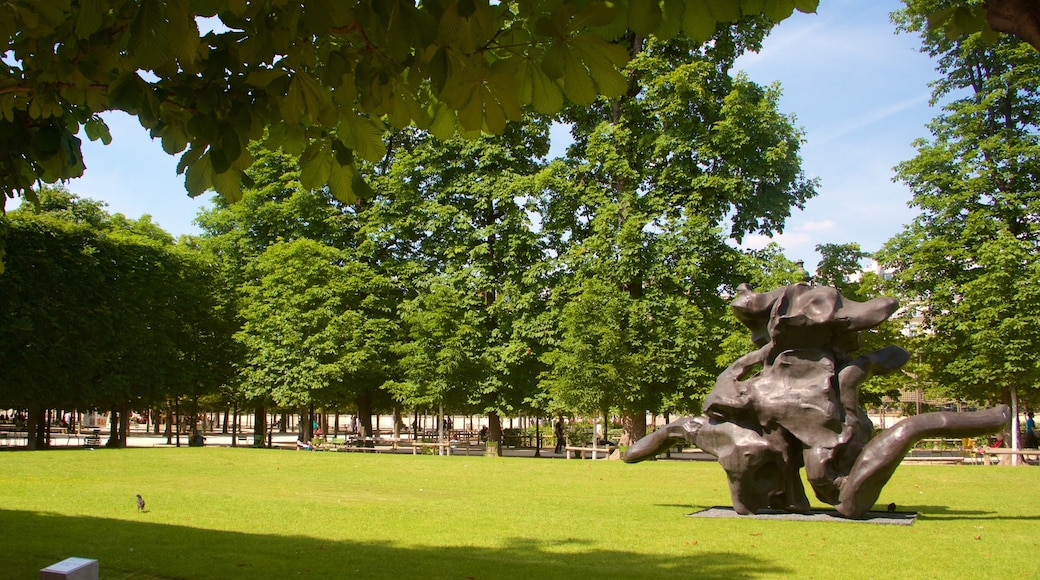 Tuileries Garden featuring a park, a statue or sculpture and outdoor art