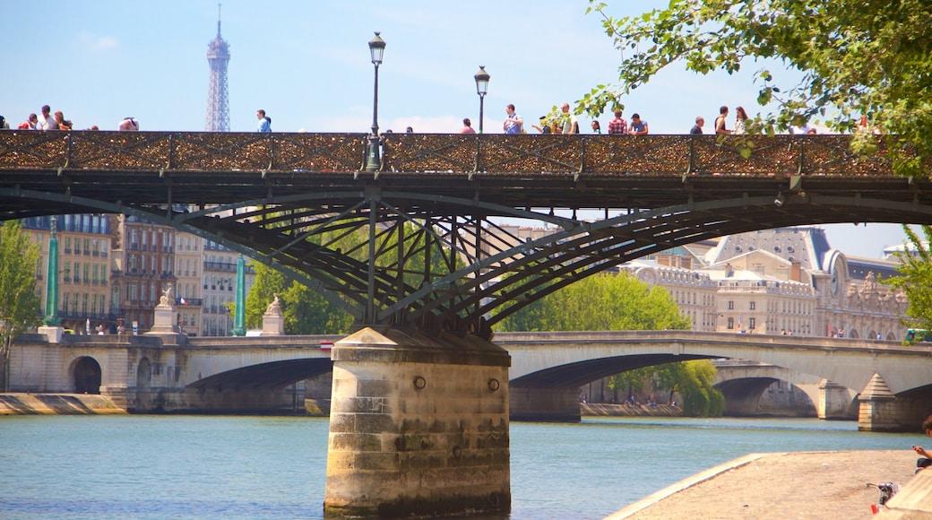 Pont des Arts 其中包括 橋樑, 河流或小溪 和 城市