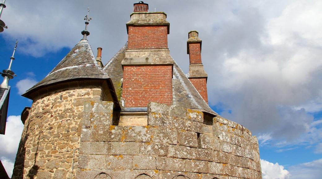 Combourg qui includes patrimoine historique et patrimoine architectural