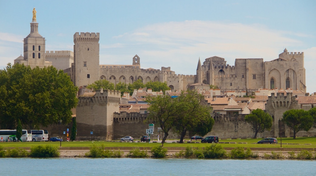 Avignon showing a river or creek, heritage architecture and heritage elements