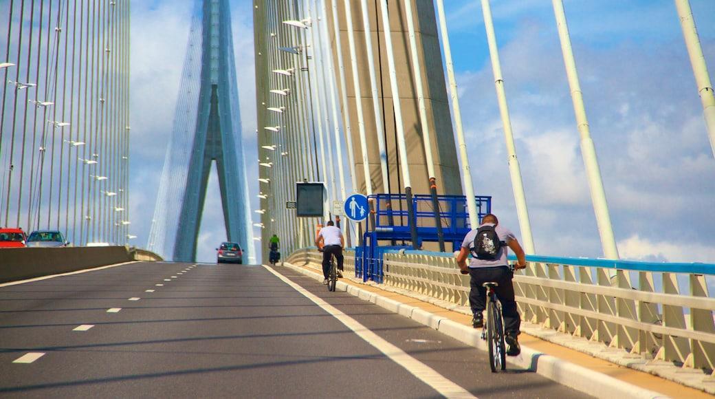 Le Havre qui includes pont