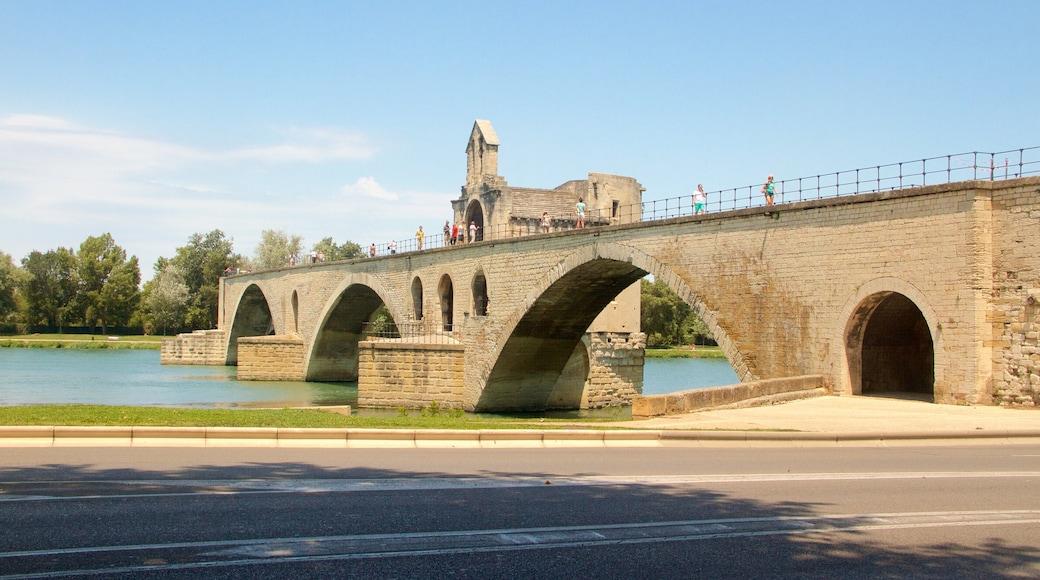 Pont Saint-Bénézet das einen Brücke, Geschichtliches und Fluss oder Bach
