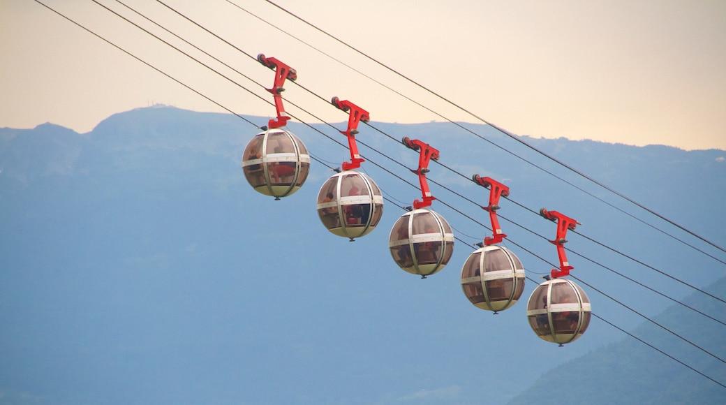 格勒諾布爾巴士底纜車 设有 纜車