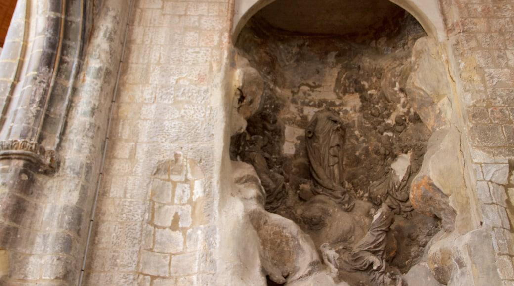Cathédrale de Saint-Vulfran montrant patrimoine historique et église ou cathédrale