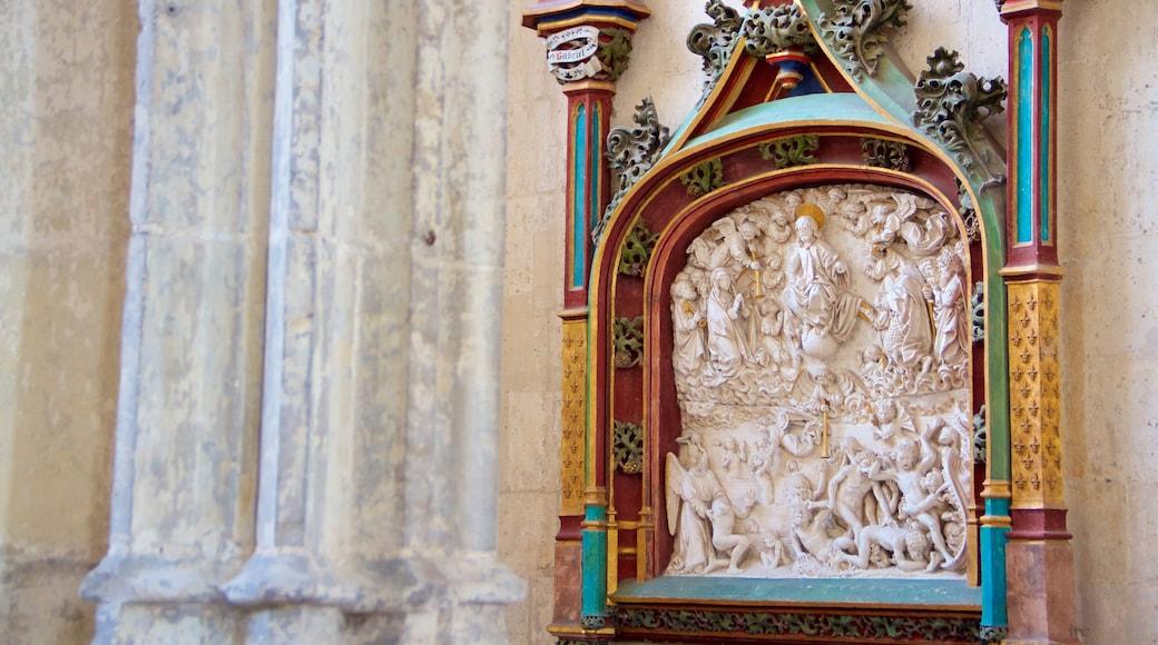 Cathédrale de Saint-Vulfran montrant patrimoine architectural, église ou cathédrale et patrimoine historique