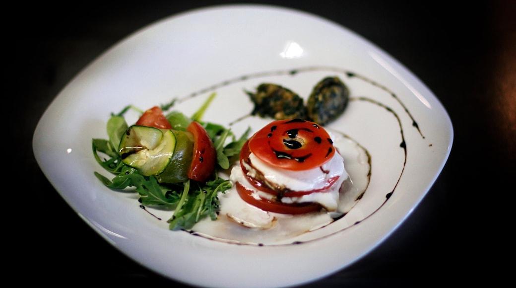 Aix-en-Provence montrant nourriture