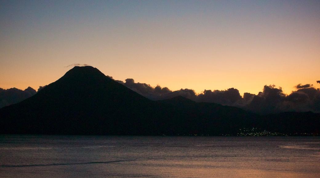 산후안 라 라구나 을 특징 일반 해안 전경 과 일몰
