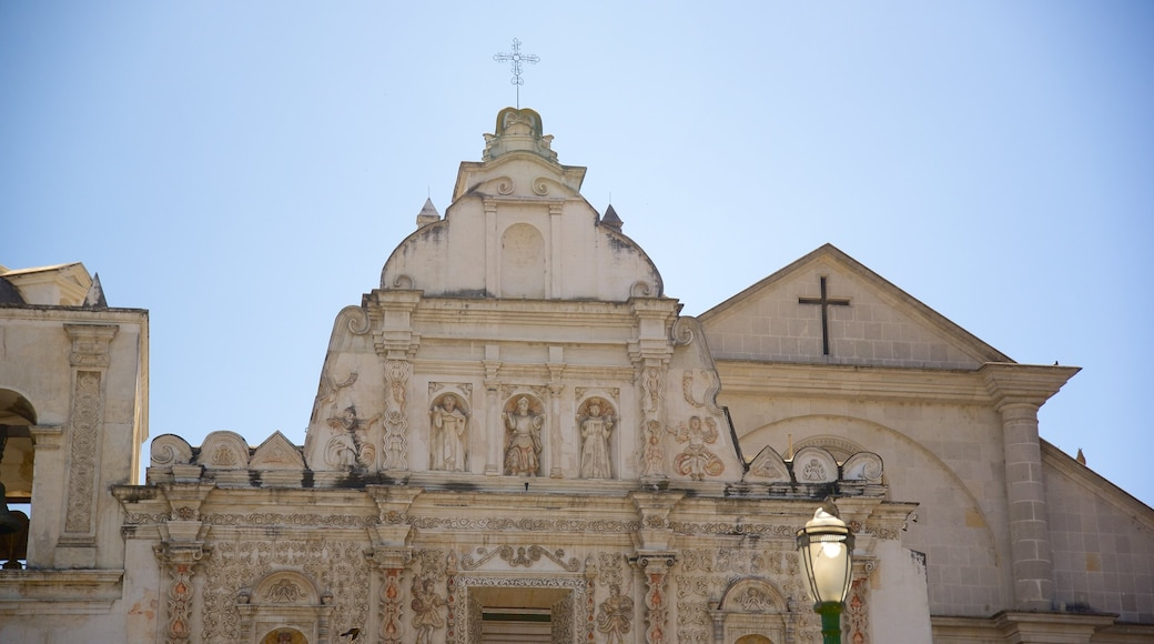 Quetzaltenango Cathedral featuring a church or cathedral and heritage elements