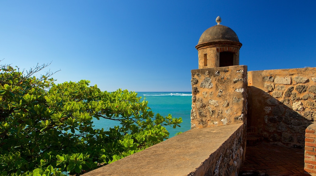 Fort San Felipe which includes heritage elements and general coastal views