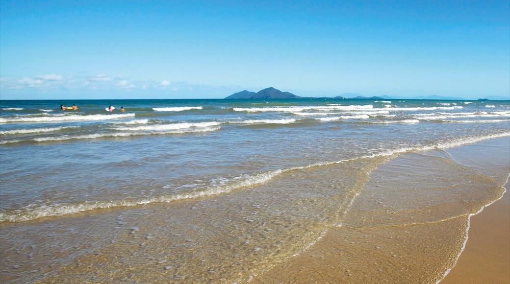 Mission Beach showing a beach