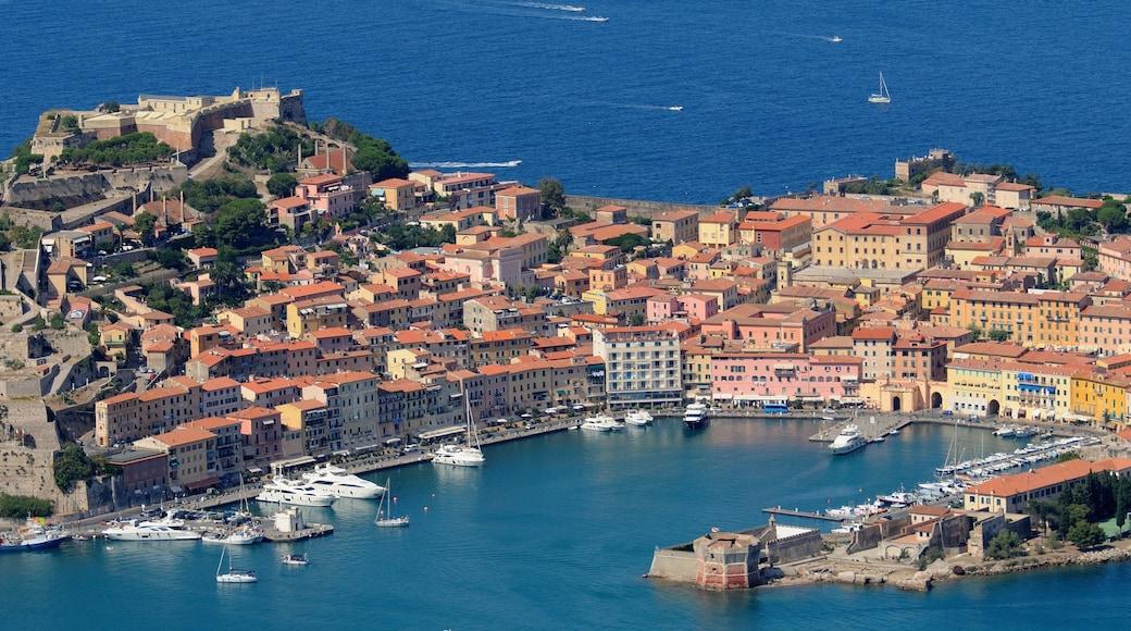 Elba caratteristiche di baia e porto e località costiera