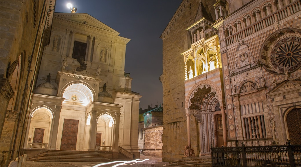 Bergamo presenterar nattliv och historisk arkitektur