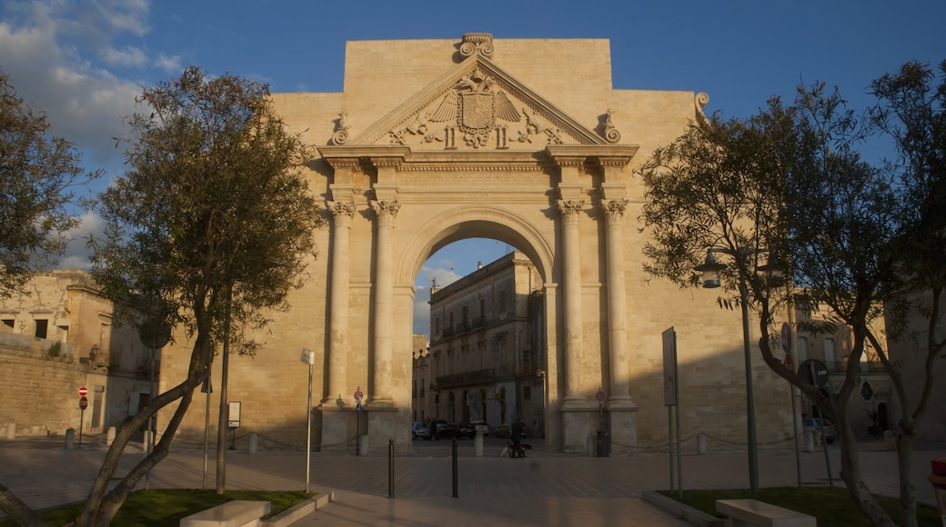 Lecce showing heritage architecture