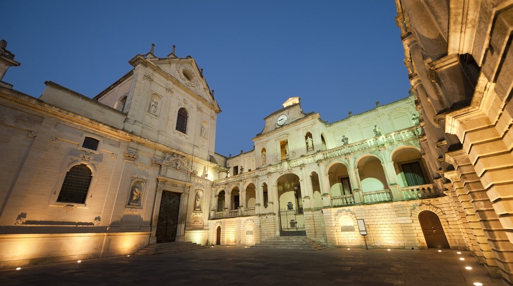 Lecce qui includes patrimoine architectural et patrimoine historique