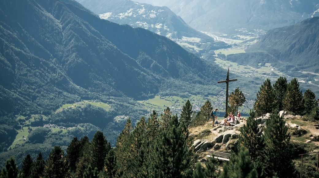 Tirol presenterar landskap och utsikter
