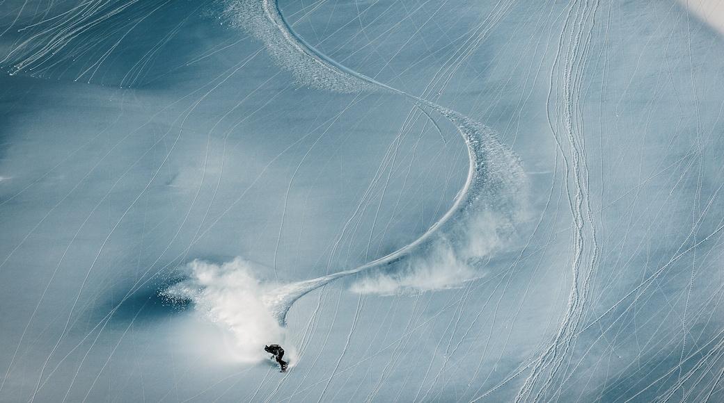 Obergurgl welches beinhaltet Schnee und Snowboarden